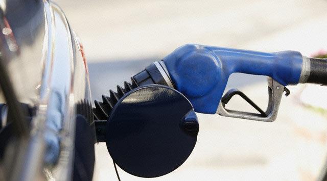 Benzin Fiyatı Ne Kadar ? Düşüş Devam Edecek Mi ?