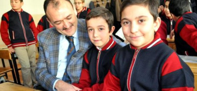 50'nci Yıl Dedeman Ortaokulu'nda Karne Heyecanı