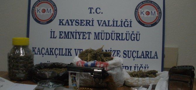 KAYSERİ POLİSİNDEN ZEHİR TACİRLERİNE DARBE
