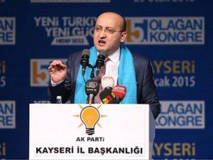 Akdoğan 'Hem şeytan taşladık hem de tavaf ettik'
