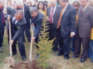Dr İsmail Gökşen, ekolojik siyaseti önerdi