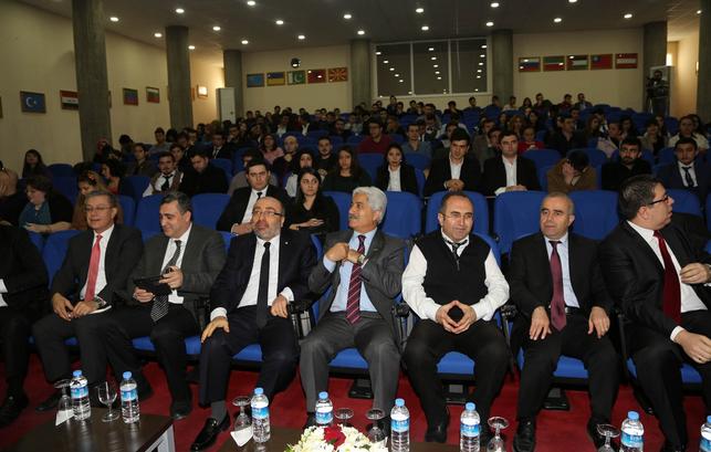 """Kayseri'de """"İstihdam ve Kariyer Günleri"""" Düzenlendi"""