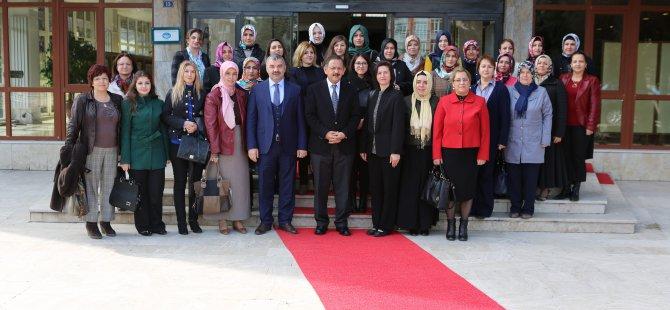 Ak Parti Kadın Kolları Özhaseki'yi ziyaret etti