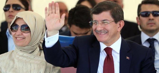 Paralel çete Davutoğlu'nun eşi Sare Davutoğlu'nu da dinlemiş!