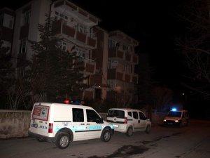 Kayseri'de Üvey Babasının yanında kalan genç kız kendini astı