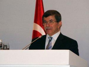 Davutoğlu'nun konvoyunda kaza