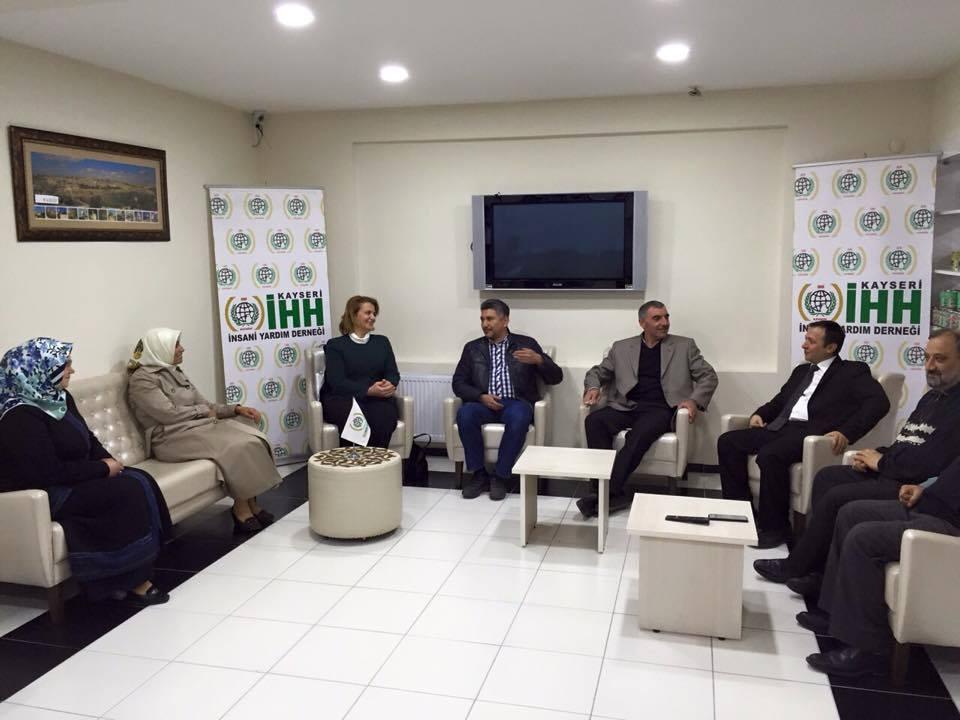 AK Parti A.Adayı Havva Talay Çalış'tan İHH'ya Ziyaret
