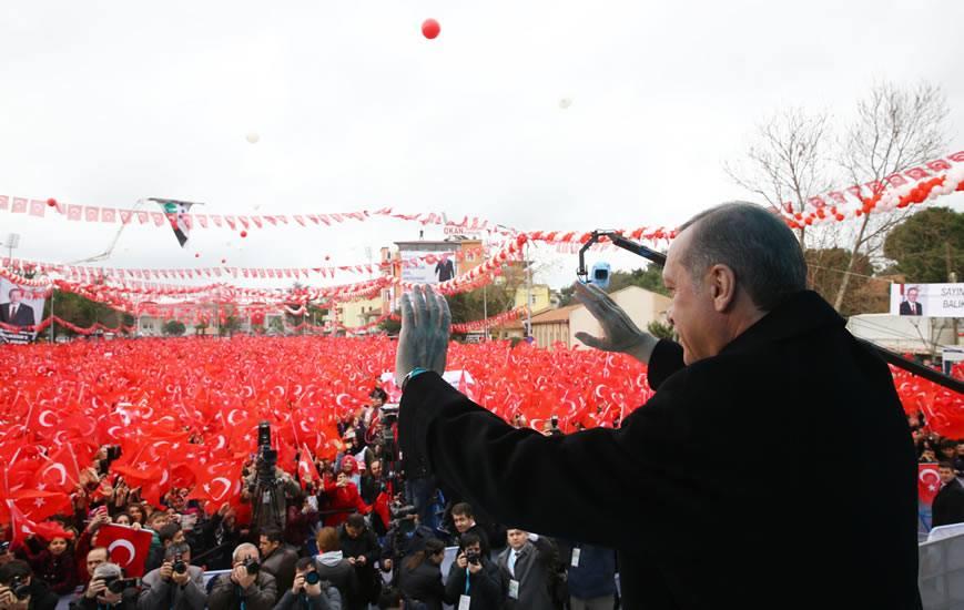 Erdoğan'a Demba Ba bestesi sürprizi - VİDEO
