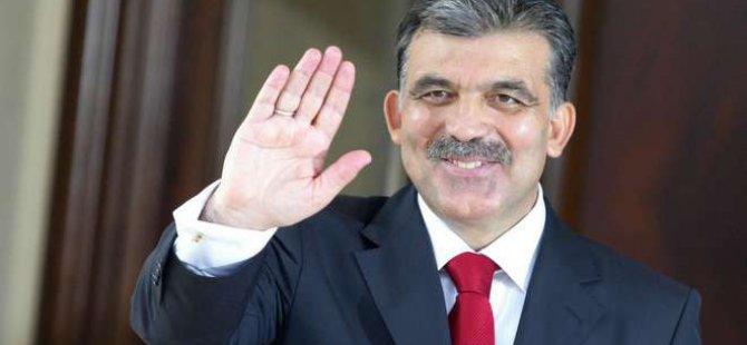 Abdullah Gül siyaset dışındaki ilk adımı attı