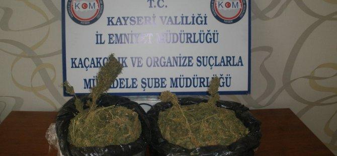 KAYSERİ'DE YOLCU OTOBÜSÜNDE ESRAR BULUNDU