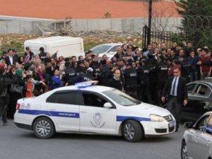 Kılıçdaroğlu taziye evinde protesto edildi