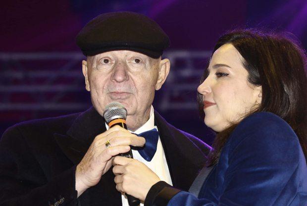 Ünlü Şarkıcı Kayahan vefat etti