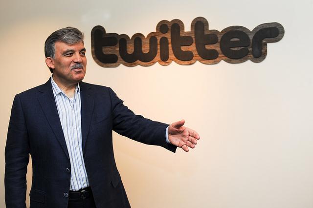 Abudllah Gül'ün Twitter hesabını çaldılar