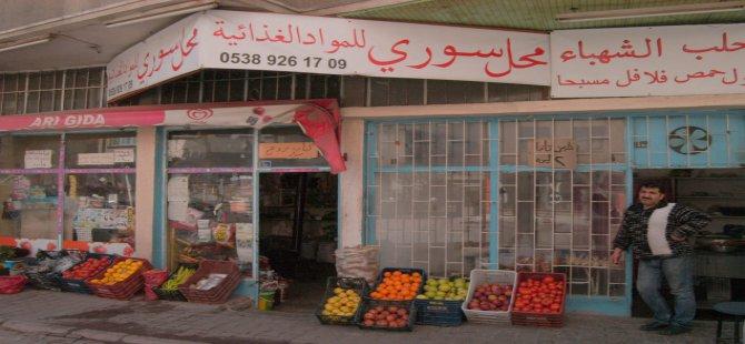 Aydınlıkevler'de Suriyeliler manav dükkan açtı