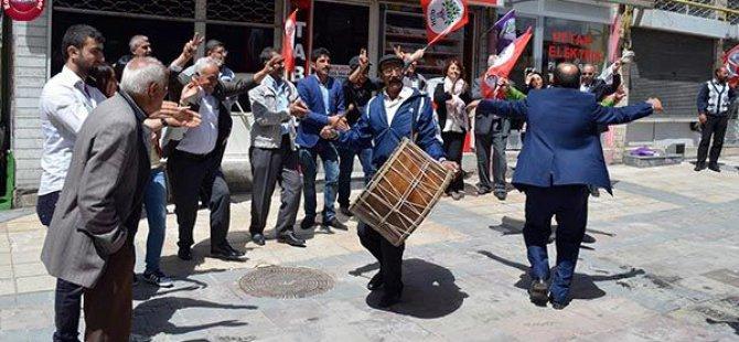 Kayseri'de HDP'liler Davul Zurnalı Tanıtım Yaptı