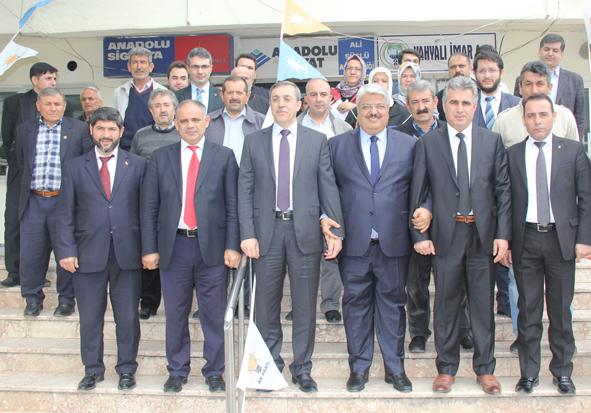 Ak Parti Adayları Doğan Ve Halil Ergen'den Yahyalı Çıkarması