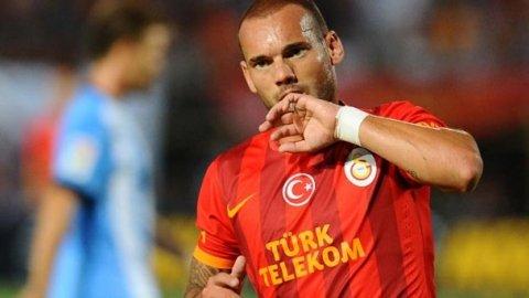 PSG Wesley Sneijder'i istiyor