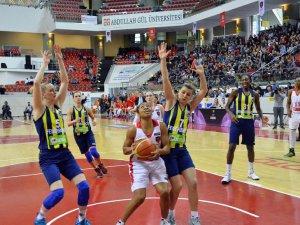 AGÜ Spor Finalde!