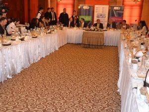 Bakan Yıldız, Kayseri'de ekonomi muhabirleri ile bir araya geldi