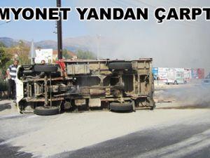 Tomarza ilçesinde trafik kazası:8 kişi yaralandı