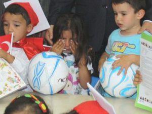 Kayseri'de Karne Hediyesini Alamayan Öğrenci Gözyaşlarına Boğuldu