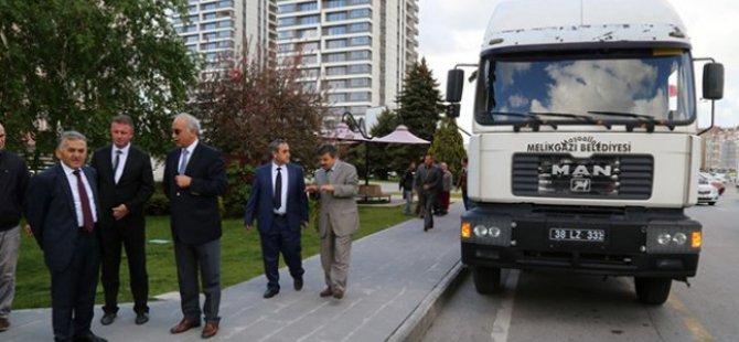 Melikgazi'den 2 adet damperli kamyon ve 1 adet çöp aracı hayırlı olsun!