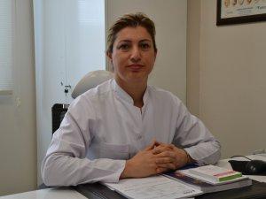 POLİTİKACILARA 'BOL SIVI TÜKETİN' TAVSİYESİ