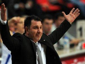 AGÜ Spor Koçu Ayhan Avcı