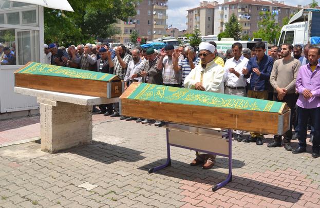 Kayseri'de Boğularak Yaşamını Yitiren Baba ve Kız Defnedildi