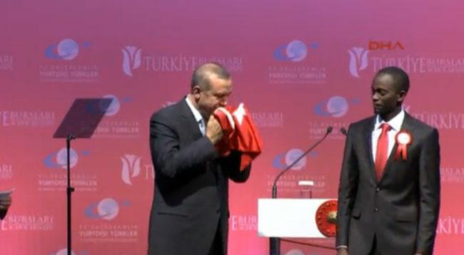 Kayseri'de Okuyan Cemil'den Erdoğan'a Anlamlı Hediye