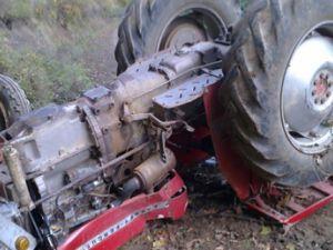 Kayseri Derebağ'da Traktör Devrildi: 2 Yaralı