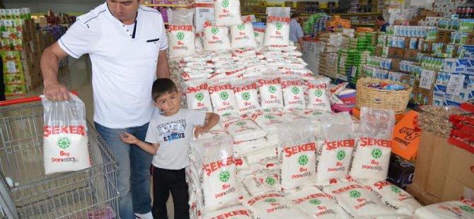 Marketlerde oluşturulan Kayseri Şeker kuleleri