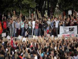 İstanbul Taksim Gezi Parkı Olayları Son Durum
