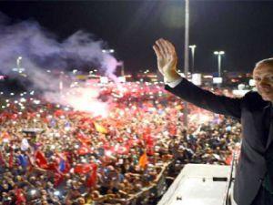 Erdoğan'ın Gece Mitingi Dünya Gündeminde
