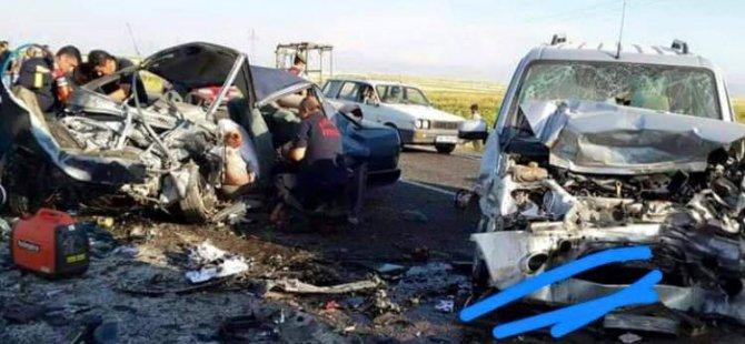 Kayseri'de feci kaza: 5 ölü, 2 yaralı