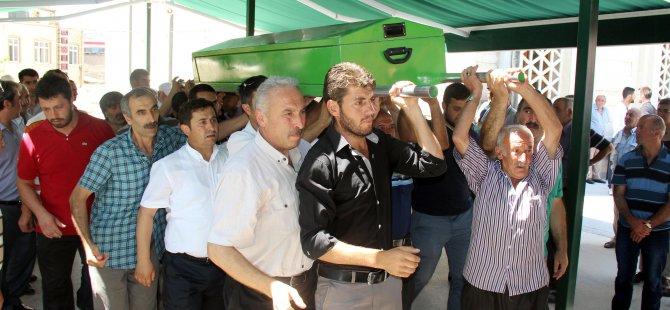 DEVELİ'DE TRAFİK KAZASI AYDIN AİLESİ TOPRAĞA VERİLDİ