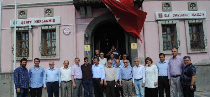 ÖZHASEKİ: MHP VE CHP, HDP'YE TESLİM EDİYOR
