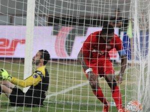 Eto'o, ligde çıktığı ikinci maçında 3. golünü atmayı başardı