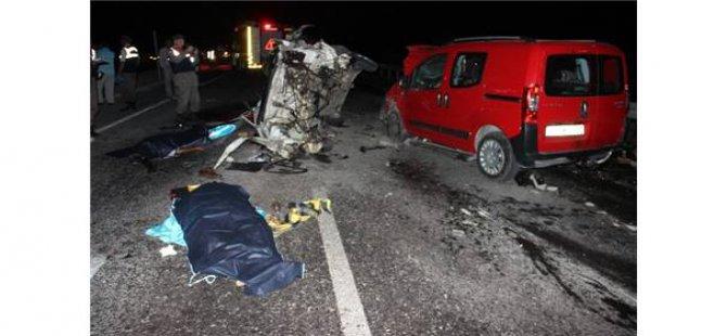 Düğün dönüşü feci kaza: 2 ölü, 8 yaralı