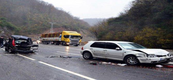 Çanakkale'de Trafik Kazası: 5 Ölü, 1 Yaralı