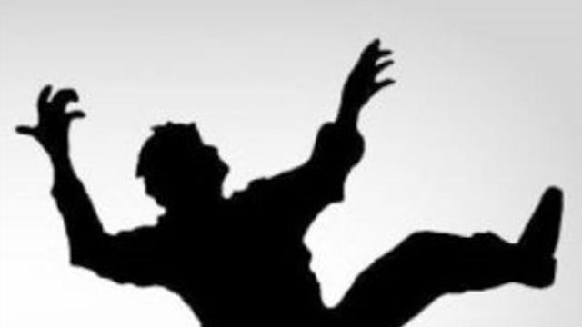 Kayseri'de 4. Kattan Düşen 18 Yaşında ki Kız Öldü