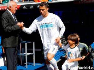 Helal sana Ronaldo sahaya Suriyeli mülteciyle çıktı