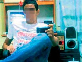 Çıplak Görüntülerini Facebook'ta Paylaşırız Tehdidi