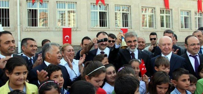 Taner Yıldız Osman Ulubaş İlköğretim Okulu'nda