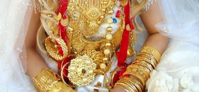 Gelin düğüne saatler kala 40 bin değerindeki altınlarla kaçtı