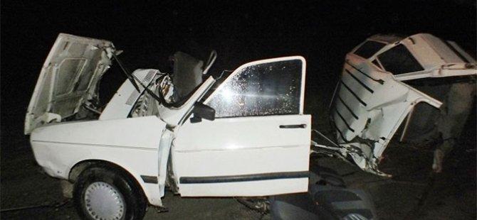 Otomobil ikiye bölündü: 2 ölü