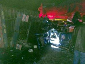 Otomobil ile traktör çarpıştı: 2 yaralı
