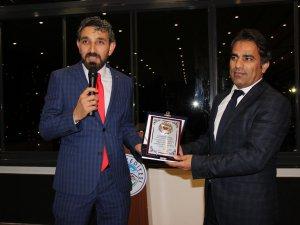 ASGD KAYSERİ ŞUBESİ'NDEN MESLEKTE 20 YILINI DOLDURANLARA PLAKET