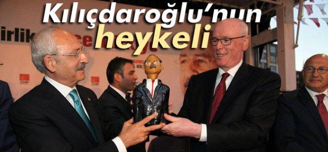 Bu da Kılıçdaroğlu heykeli