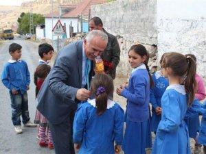 Yeşilhisar'da okul Bahçeleri yeniden düzenleniyor
